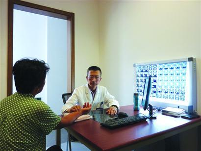 莫文:用不同的手段 给予病人多一次机会