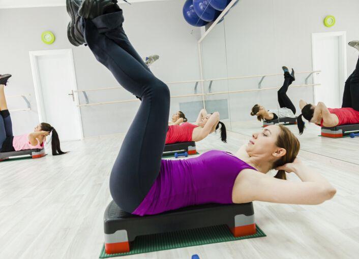 力量训练对骨质的增加比单纯有氧...