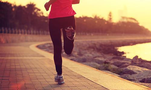 跑步究竟会不会损伤膝盖呢?国际上久负盛名的医学权威